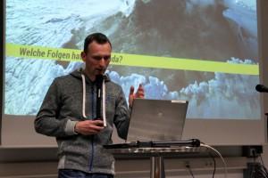 Thomas Zimmerling fragt im Barcamp nach Ideen. Foto: Natanja Marija Grün