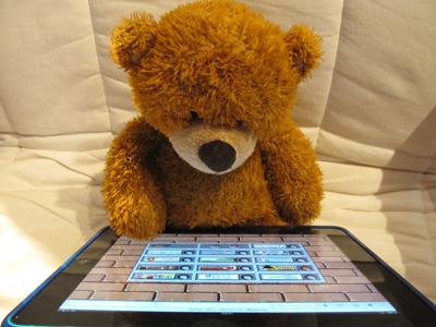 Immer mehr Fernsehzuschauer nutzen nebenher ein Tablet oder Smartphone. Foto: olga meier-sander / pixelio.de
